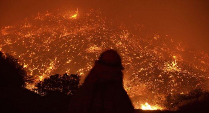 Angeles Forest Fire 700x381